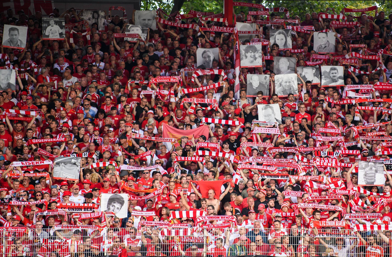 Le superbe hommage de l'Union Berlin à ses supporters décédés